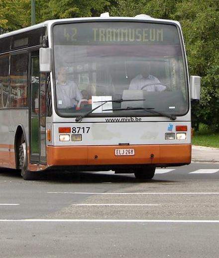Bus 42 – splitsing aan Roodebeek