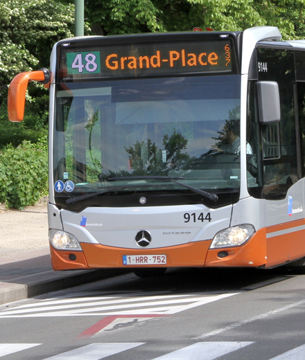 Bus 27, 48, N12 - Sibelga works in the rue Haute/Hoogstraat