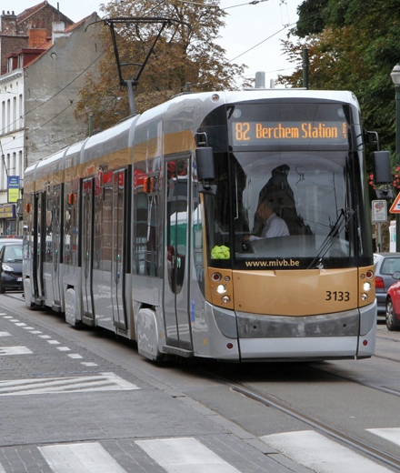 Tram 82, Bus 86 - Works at Gare de l'Ouest/Weststation