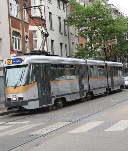 Tram 51, bus 70, N11 – déviation entre Albert et Globe