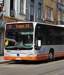 Tram 32, 55 – braderie chaussée de Helmet