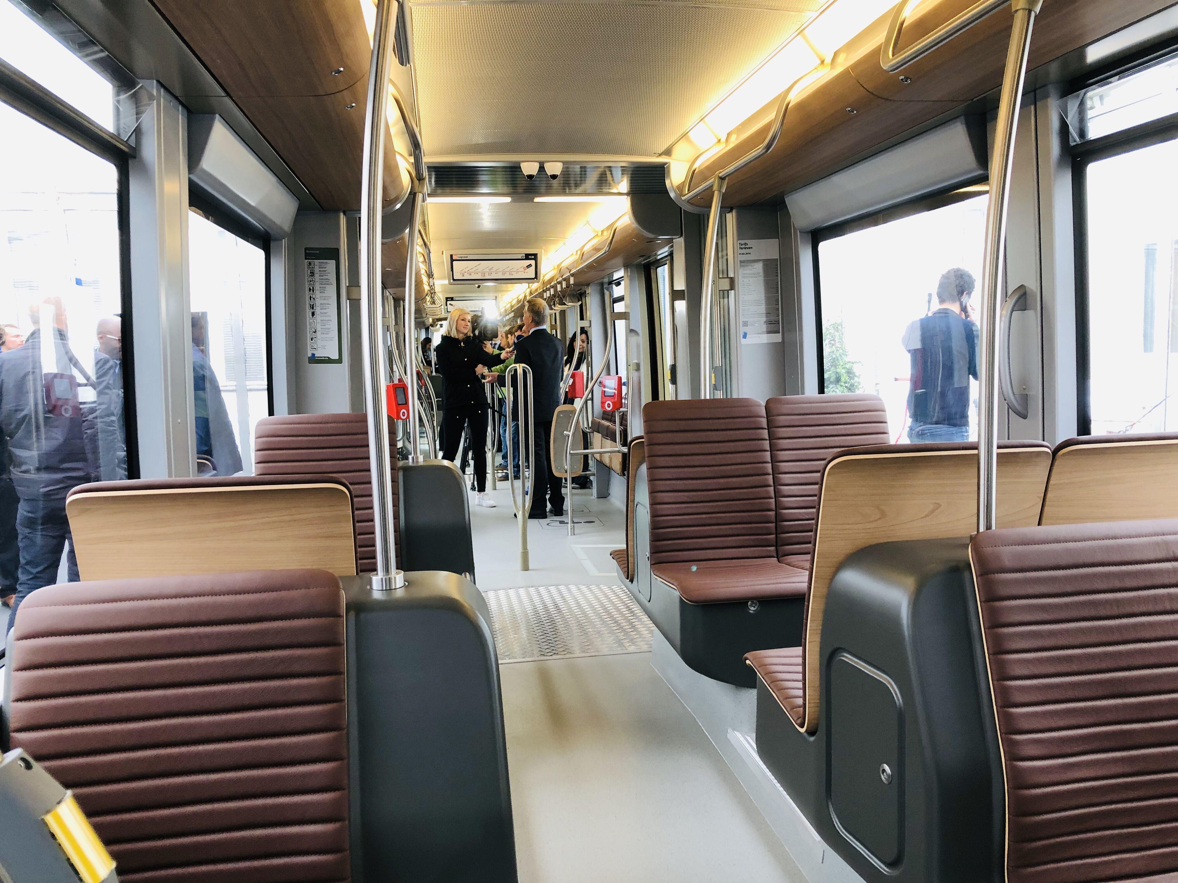 tram new generation stib exterieur